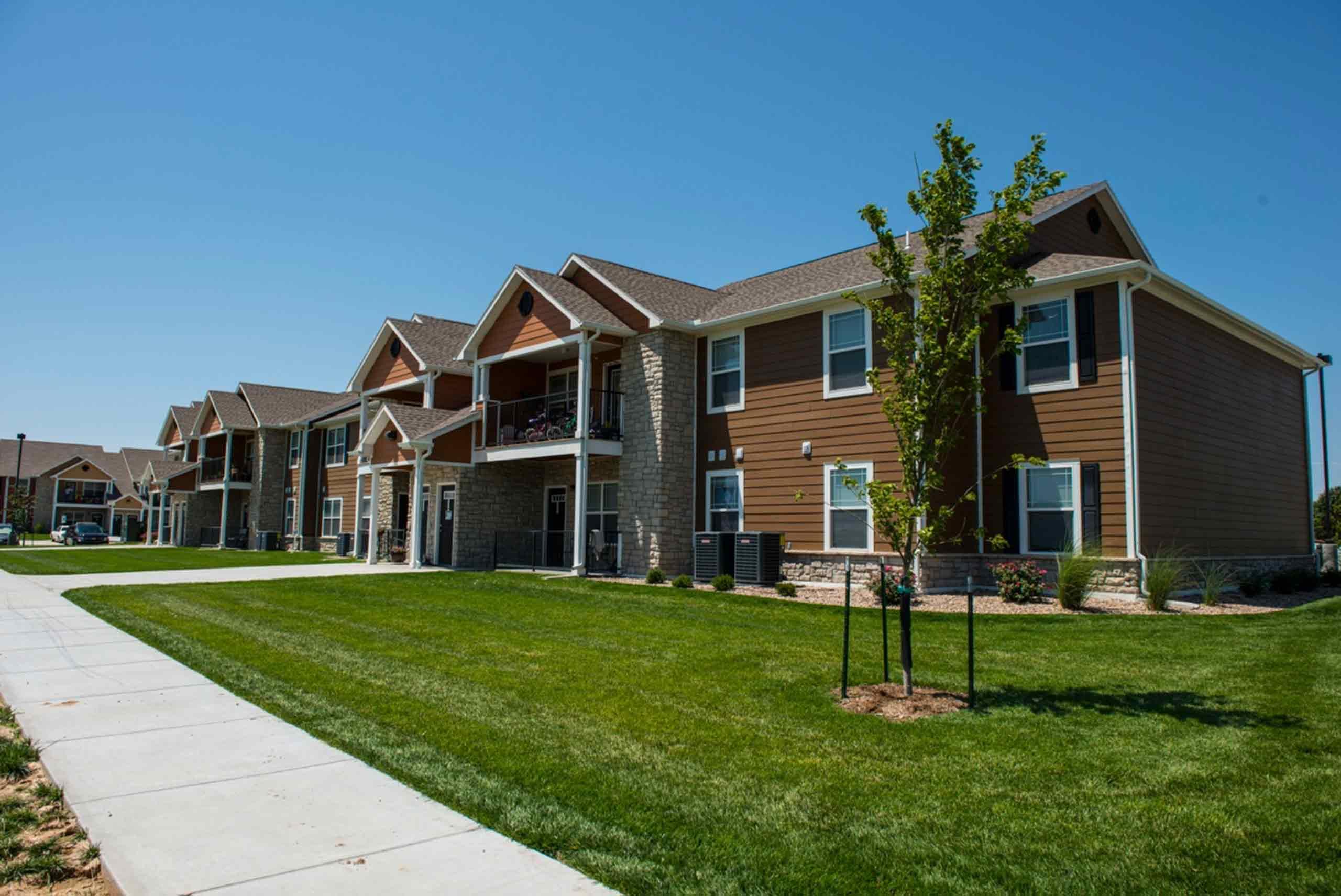 Saddlebrook-Apartments-Building