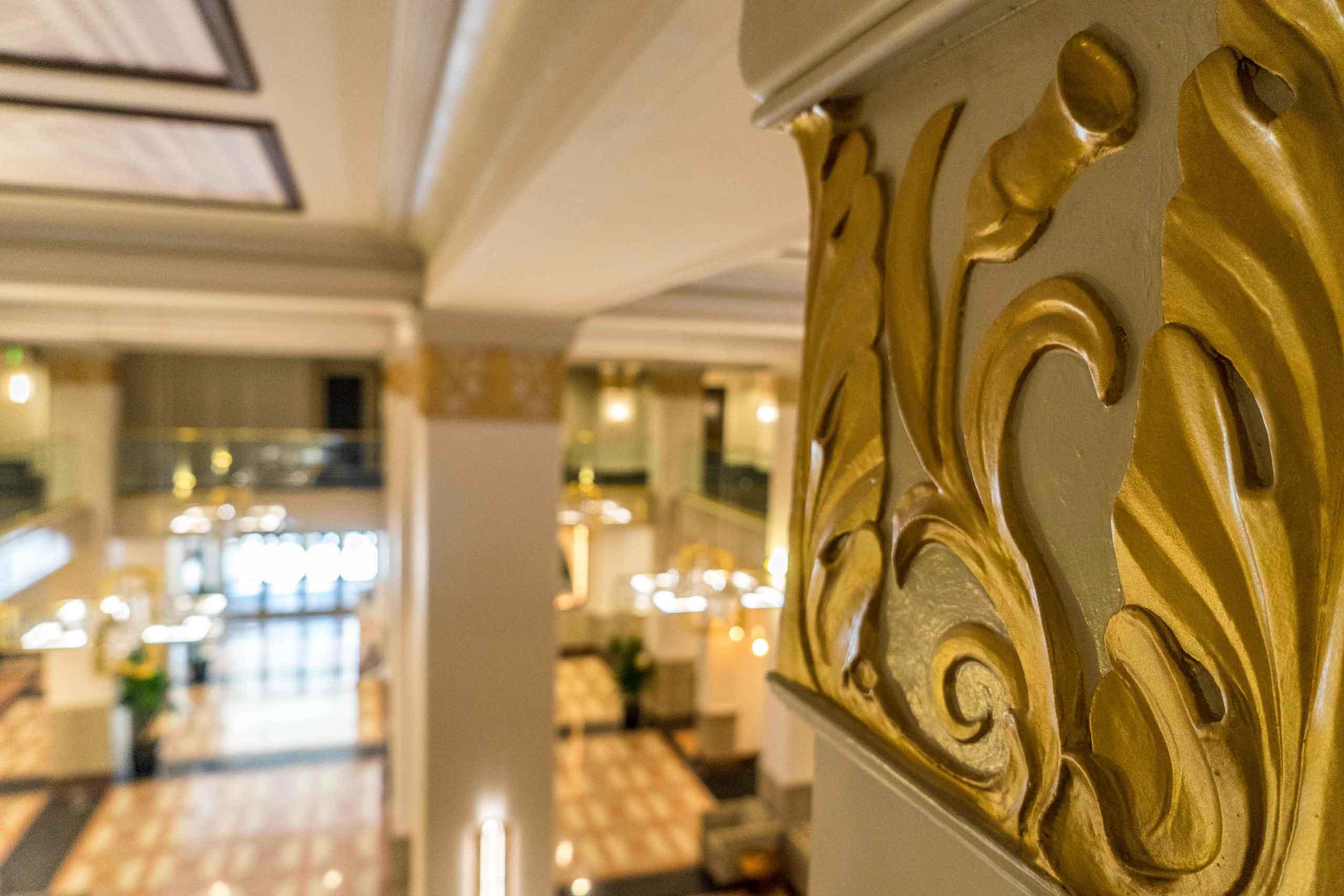 East-9-at-Pickwick-Plaza-Main-Lobby-Plaster-Molding
