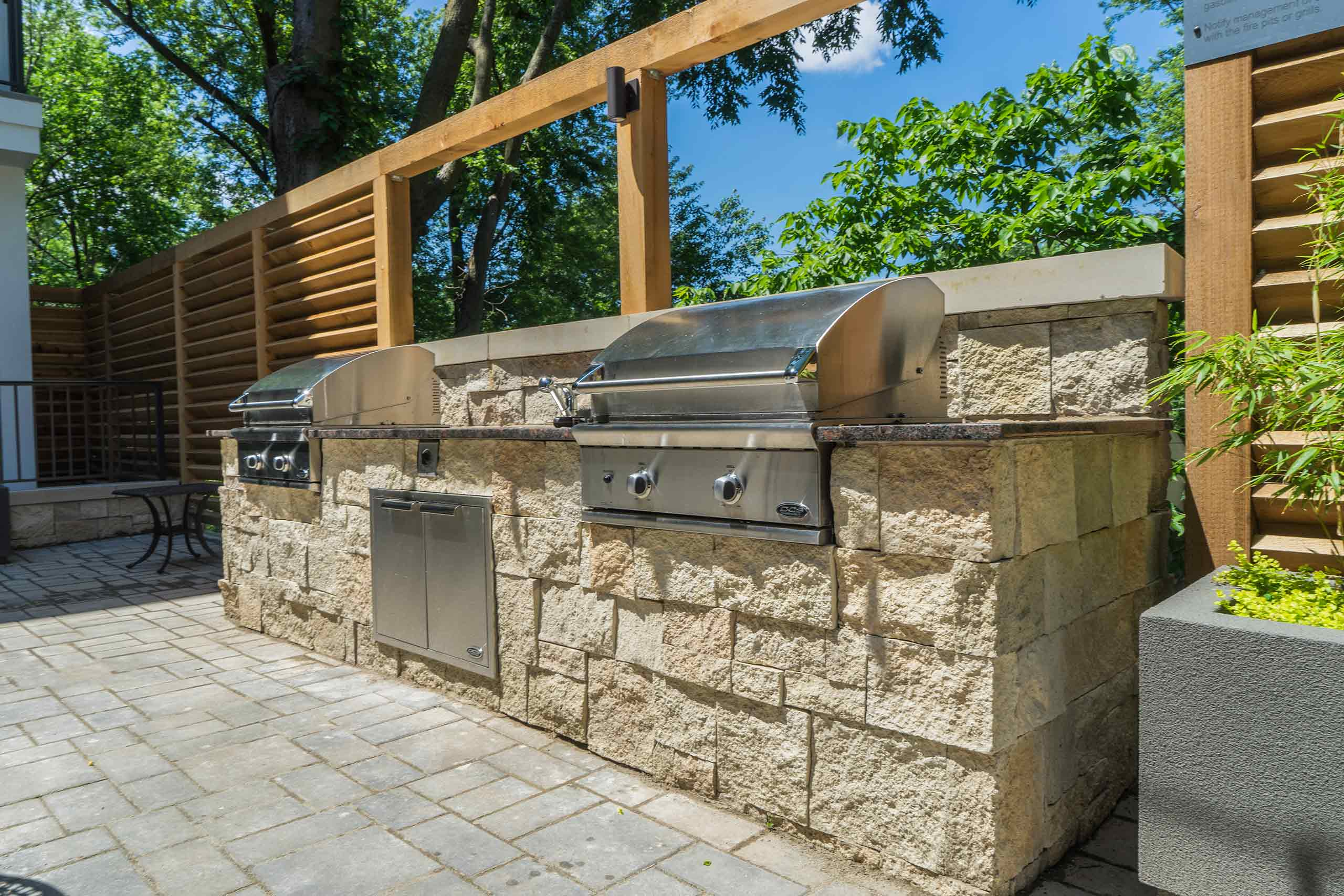 InterUrban-Lofts-Patio-Grills