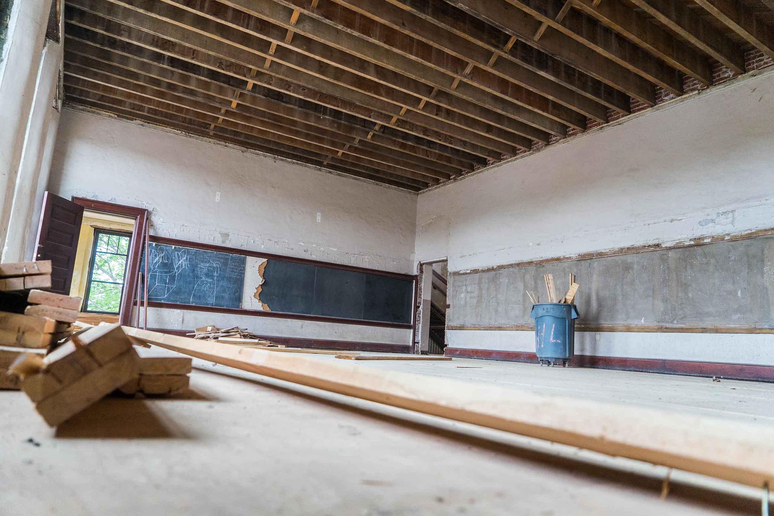 Norman-School-Lofts-Chalkboards