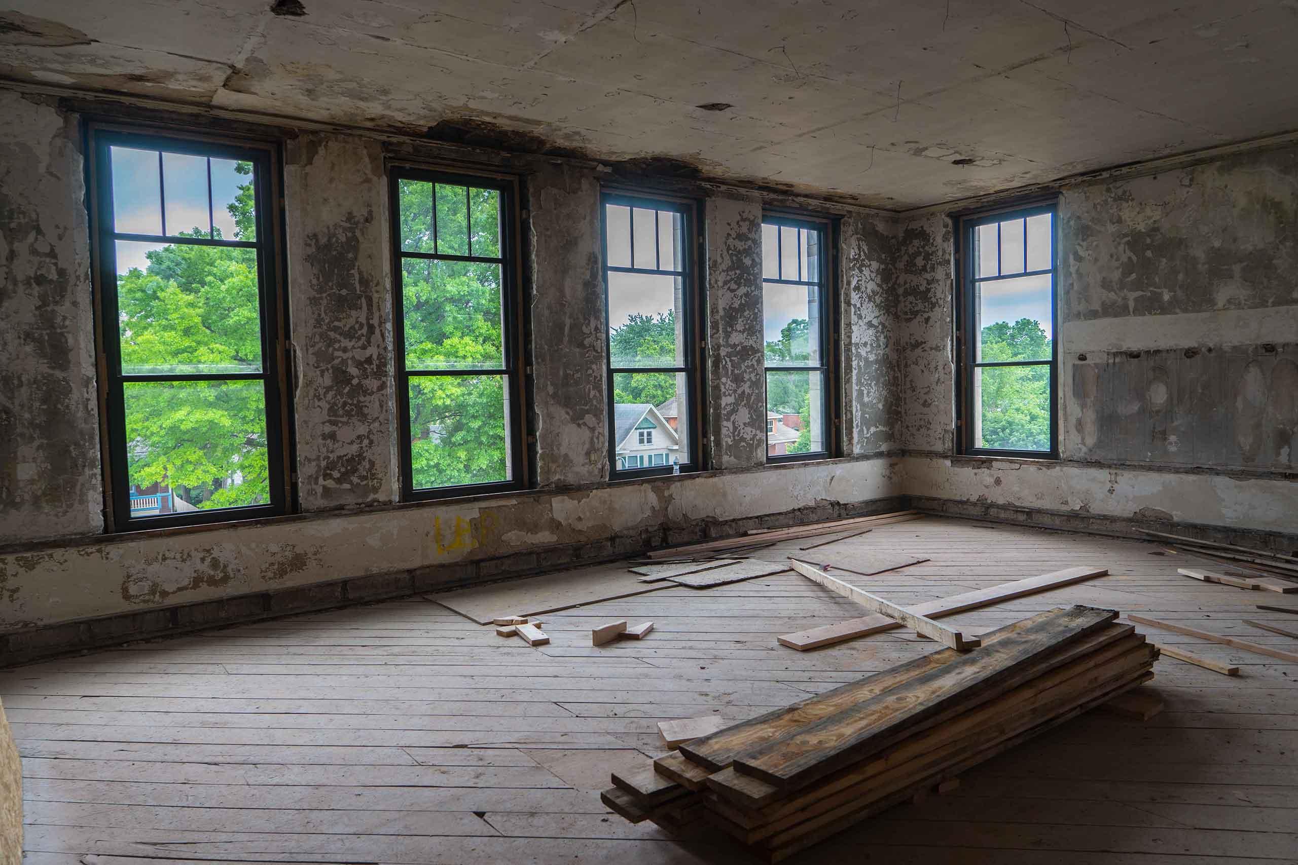 Norman-School-Lofts-Empty-Classroom
